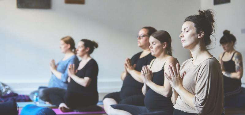 Live Streaming - Pregnancy Yoga