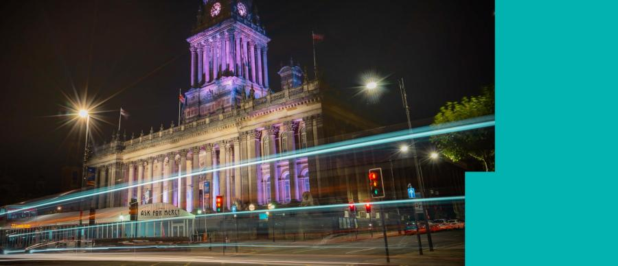 the Leeds Town Hall at night