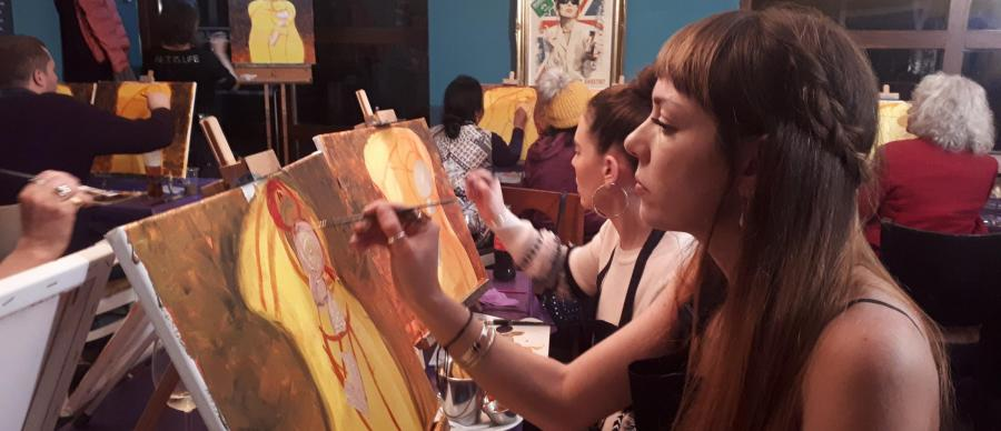 PopUp Painting Event in real life - Female painting on a Canvas