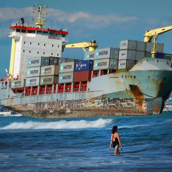 Café Économique: 'Freightened: The real price of shipping'- A Documentary
