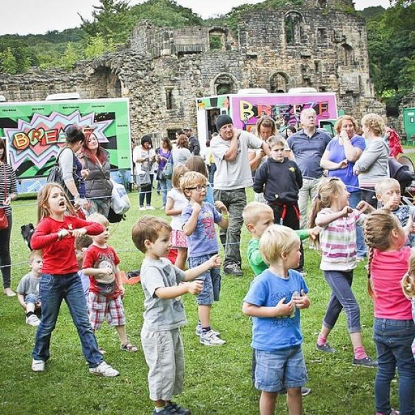 Breeze On Tour: Kirkstall Abbey