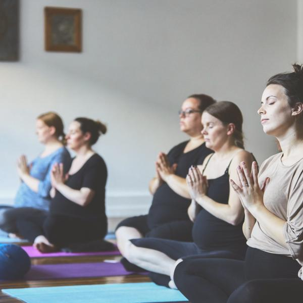 Live Streaming - Pregnancy Yoga