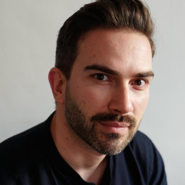 Author Tim Glister